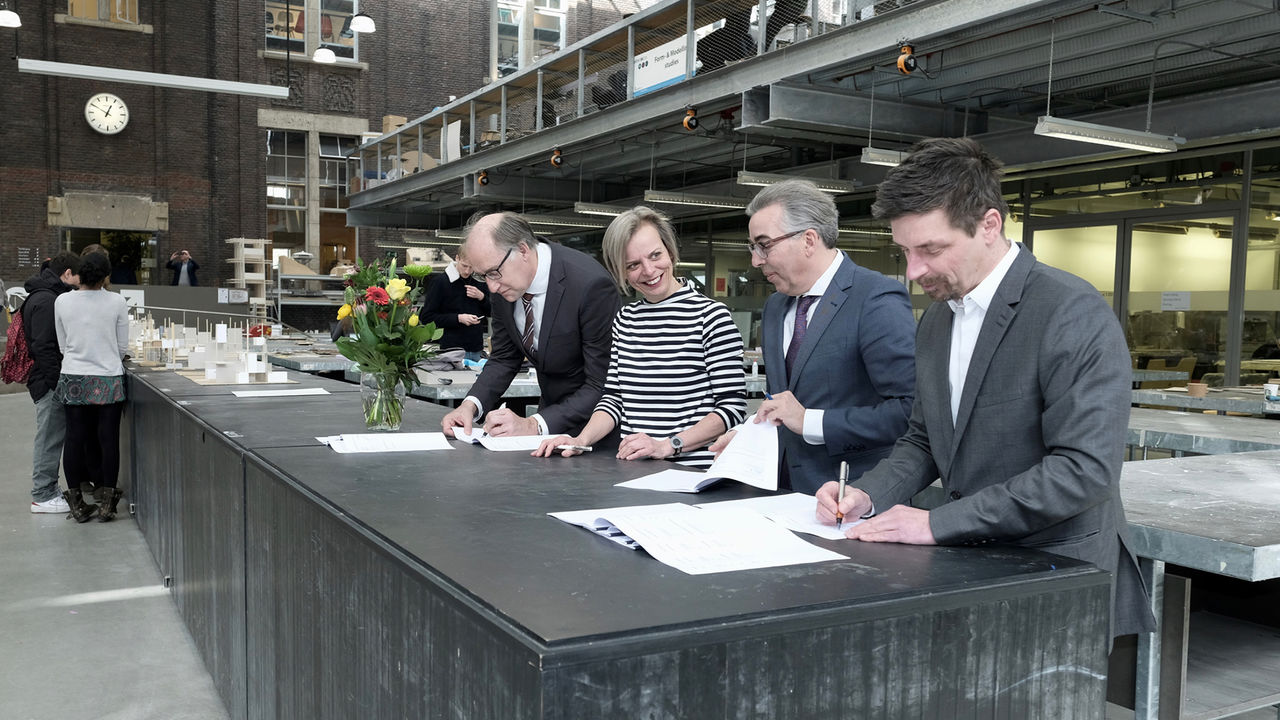 Ondertekening contract LPO